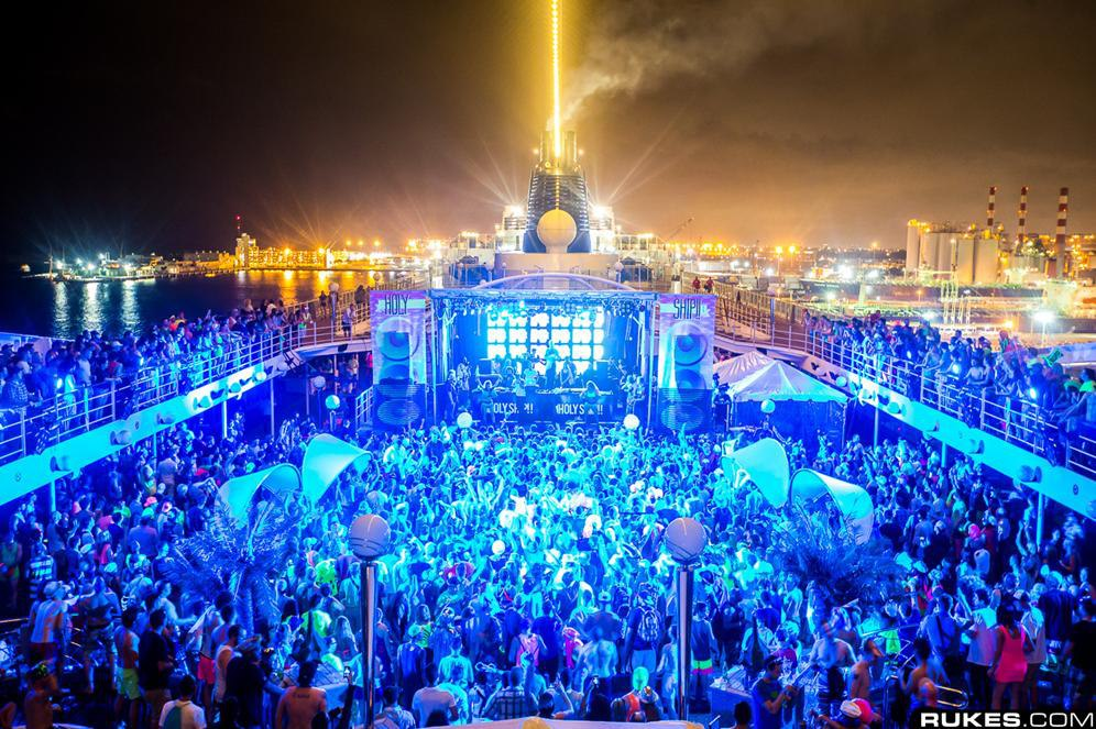 Holy Ship_NRFmagazine