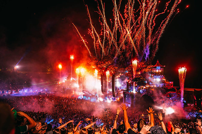 Tomorrowland_NRFmagazine